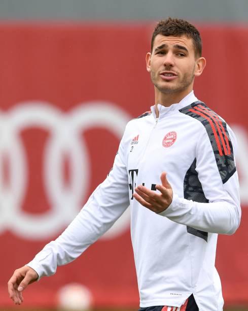 PRT: SL Benfica v Bayern München: Group E - UEFA Champions League