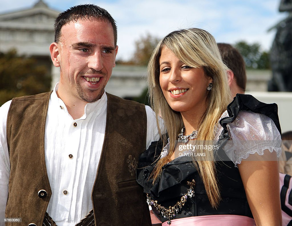 Bayern Munich's French midfielder Franck Ribery and his wife Wahiba... News  Photo - Getty Images