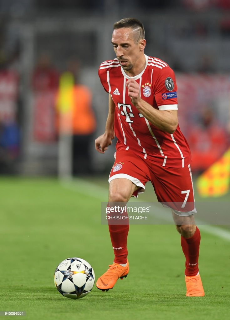 Bayern Munich's French midfielder Franck Ribery plays the ball during the UEFA Champions League quarter-final second leg football match between FC Bayern Munich and Sevilla FC on April 11, 2018 in Munich, southern Germany. Bayern Munich marched into another Champions League semi-final despite 10-man Sevilla holding them to a goalless draw at home. / AFP PHOTO / Christof STACHE