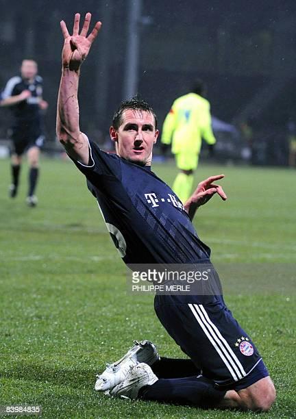 Bayern Munich's German forward Miroslav Klose celebrates after scoring a goal during the UEFA Champion's League football match Lyon vs Bayern Munich...