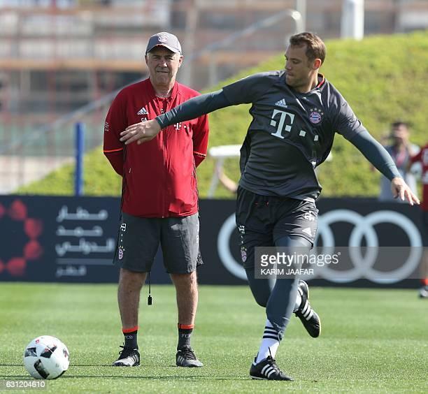 Bayern Munich's Italian coach Carlo Ancelotti attends a training session at the Aspire Academy in Doha on January 8 2017 / AFP / KARIM JAAFAR