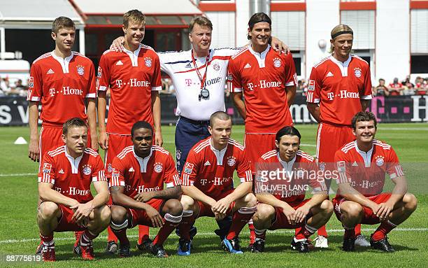 Bayern Munich's new recruits pose for a group photo during a training session on July 1 2009 in Munich Top row striker Thomas Mueller defender Holger...