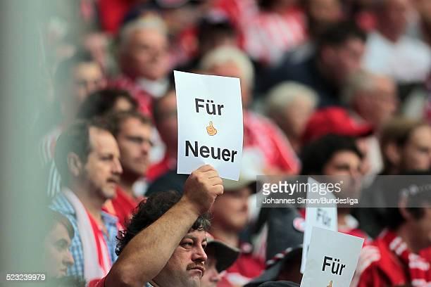 Bayern-Fans solidarisieren sich vor den Start des Bundesliga Spieles zwischen dem FC Bayern Muenchen und Borussia Moenchengladbach am in der...