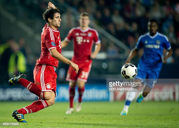 Bayern's Javier Martinez of Spain controls the ball during the UEFA Super Cup final football match Bayern Munich vs Chelsea FC at the Eden Stadium in...