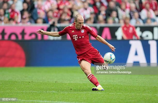 BayernSpieler Arjen Robben im Einsatz beim BundesligaSpiel zwischen dem FC Bayern Muenchen und Borussia Moenchengladbach am in der Muenchner...