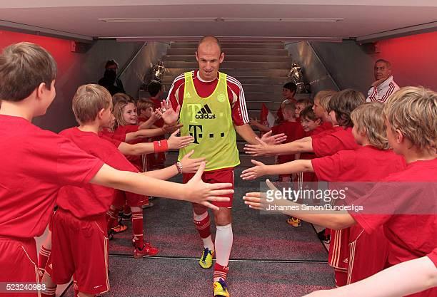 Bayern-Spieler Arjen Robben wartet im Spieler-Tunnel auf den Start des Bundesliga Spieles zwischen dem FC Bayern Muenchen und Borussia...