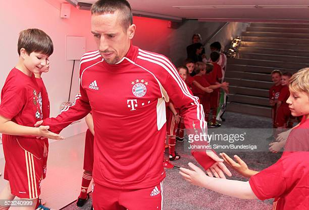 Bayern-Spieler Franck Ribery wartet im Spieler-Tunnel auf den Start des Bundesliga Spieles zwischen dem FC Bayern Muenchen und Borussia...