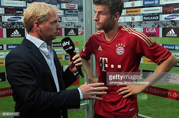 Bayern-Spieler Thomas Mueller gibt nach dem Bundesliga Spiel zwischen dem FC Bayern Muenchen und Borussia Moenchengladbach am in der Muenchner...