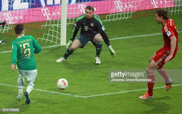BayernTorwart Manuel Neuer in Aktion beim Bundesligaspiel FC Bayern Muenchen gegen die SpVgg Greuther Fuerth am 19 Januar 2013 in der AllianzArena in...