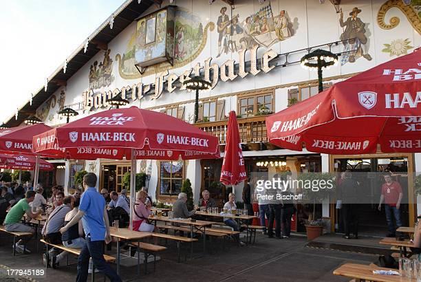 Bayernzelt vor H e i n oKonzert während Mit freundlichen GrüßenTour †berseestadt Bremen Deutschland Europa Zelt Festzelt Tournee