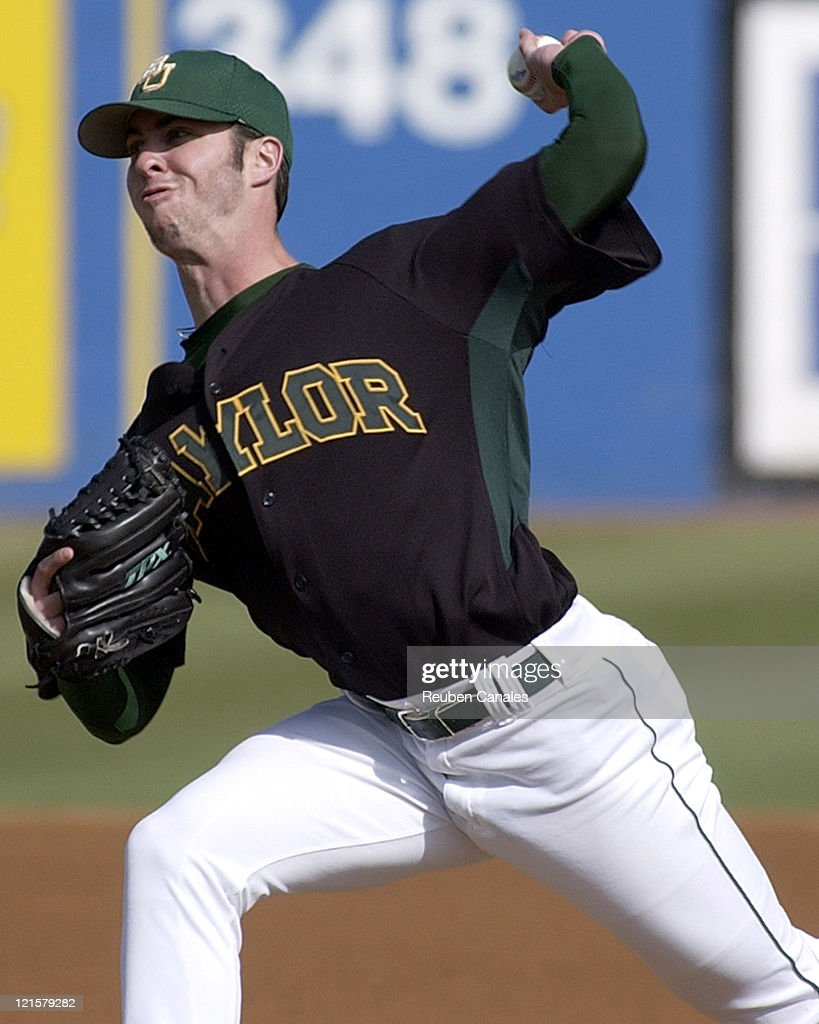 NCAA Baseball - Baylor vs Long Beach State - March 4, 2006 : News Photo