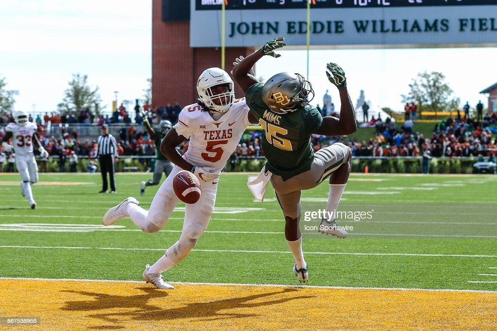 COLLEGE FOOTBALL: OCT 28 Texas at Baylor : News Photo
