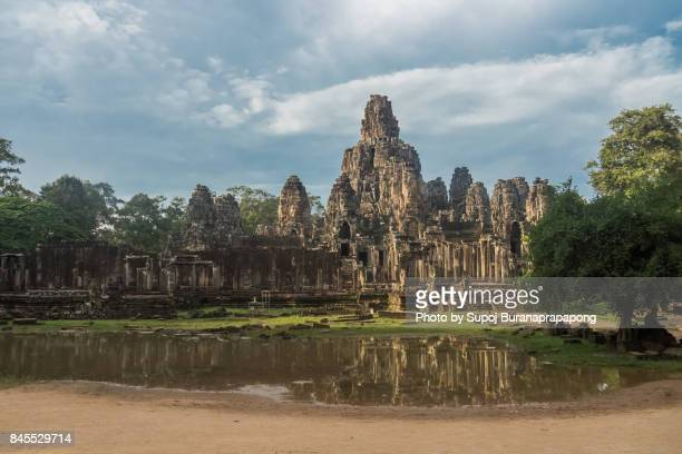 bayon temple, also known as the temple of a thousand faces.bayon temple. the ancient stone temple. bayon is one of the unesco world heritage at angkor in siem reap,cambodia - tempel stock-fotos und bilder