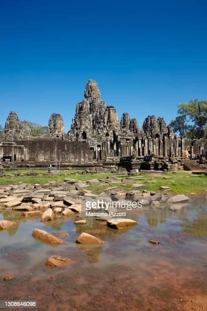 bayon temple in angkor thom - massimo pizzotti foto e immagini stock