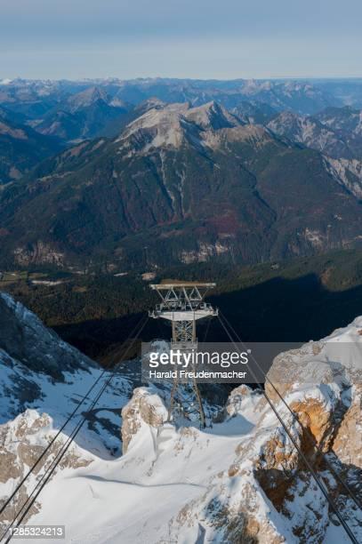 bayrische alpen von der zugspitze aus gesehen zum sonnenaufgang - bayern stock pictures, royalty-free photos & images