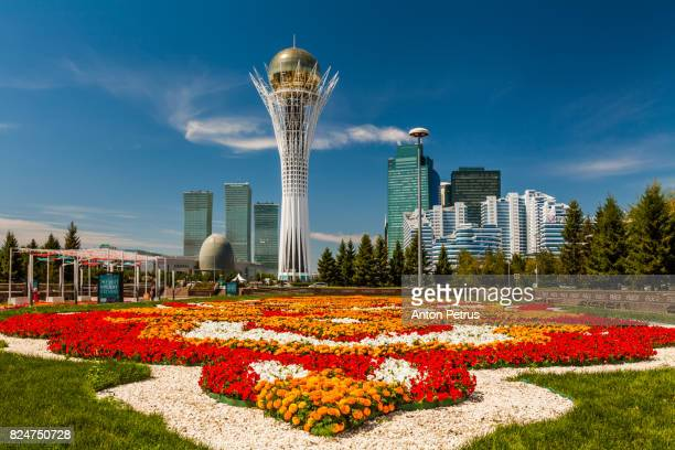 bayterek tower, nurzhol bulvar, astana - kazakhstan stock pictures, royalty-free photos & images