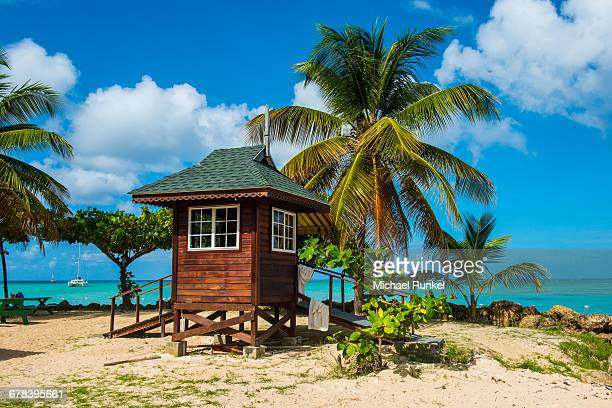 baywatch tower on pigeon point, tobago, trinidad and tobago, west indies, caribbean, central america - トリニダードトバゴ共和国 ストックフォトと画像