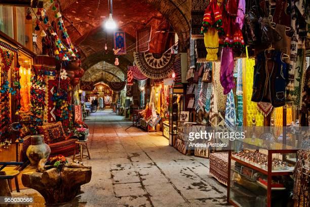 bazaar of isfahan, iran - isfahan stock-fotos und bilder