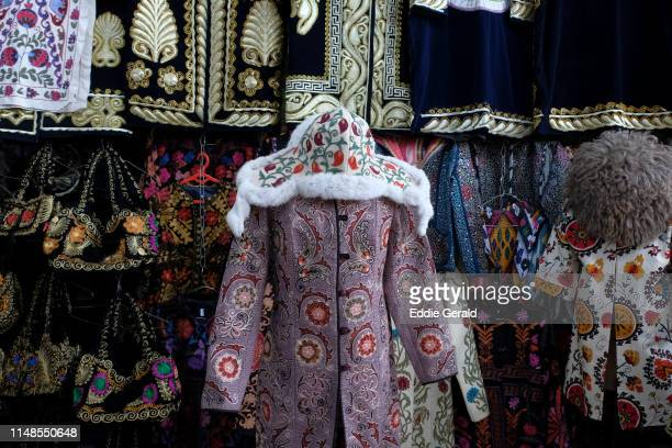 bazzars in tashkent - muziek stock pictures, royalty-free photos & images