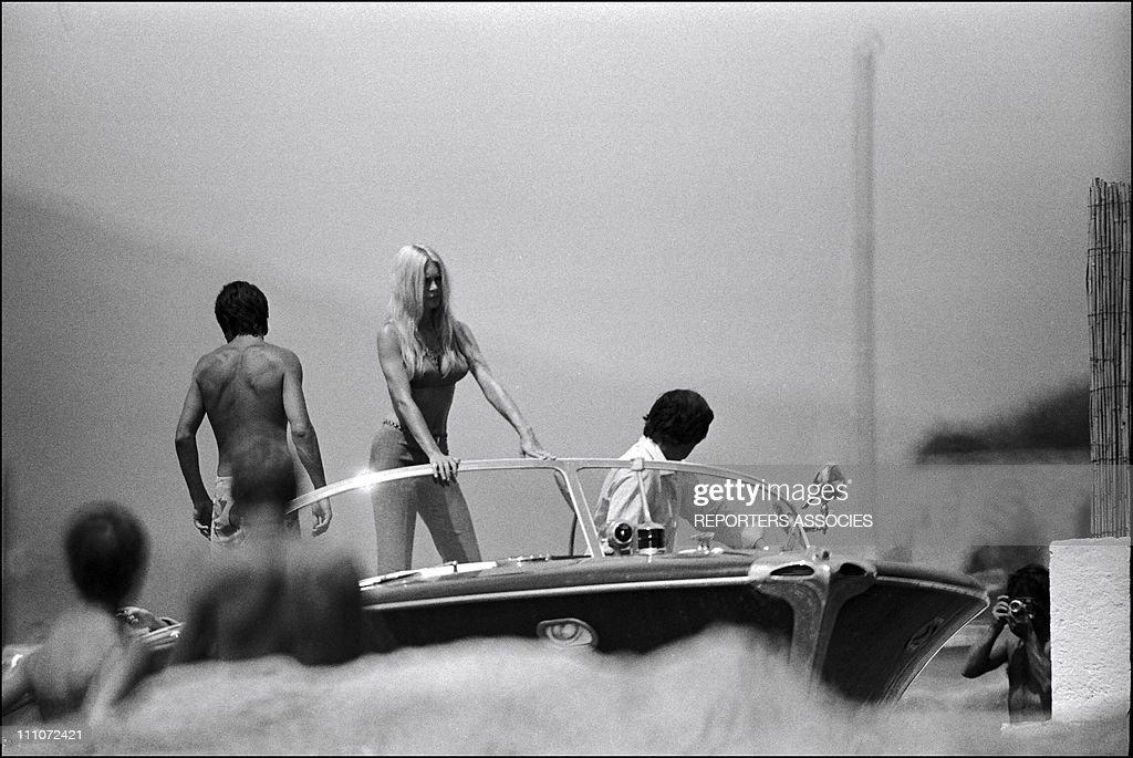 Brigitte Bardot And Gunther Sachs In Saint Tropez, France In August 1962. : News Photo