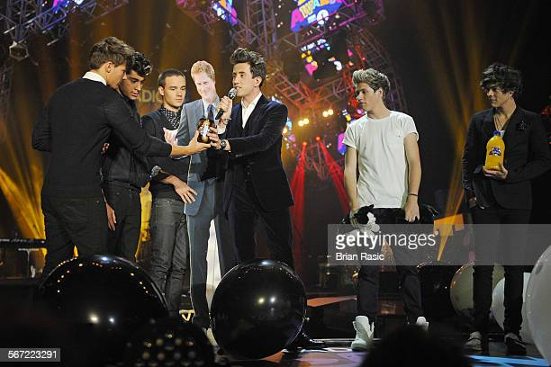 Bbc Radio 1'S Teen Awards Wembley Arena London Britain 07 Oct 2012 One Direction Louis Tomlinson Zayn Malik Liam Payne Niall Horan Harry Styles And...