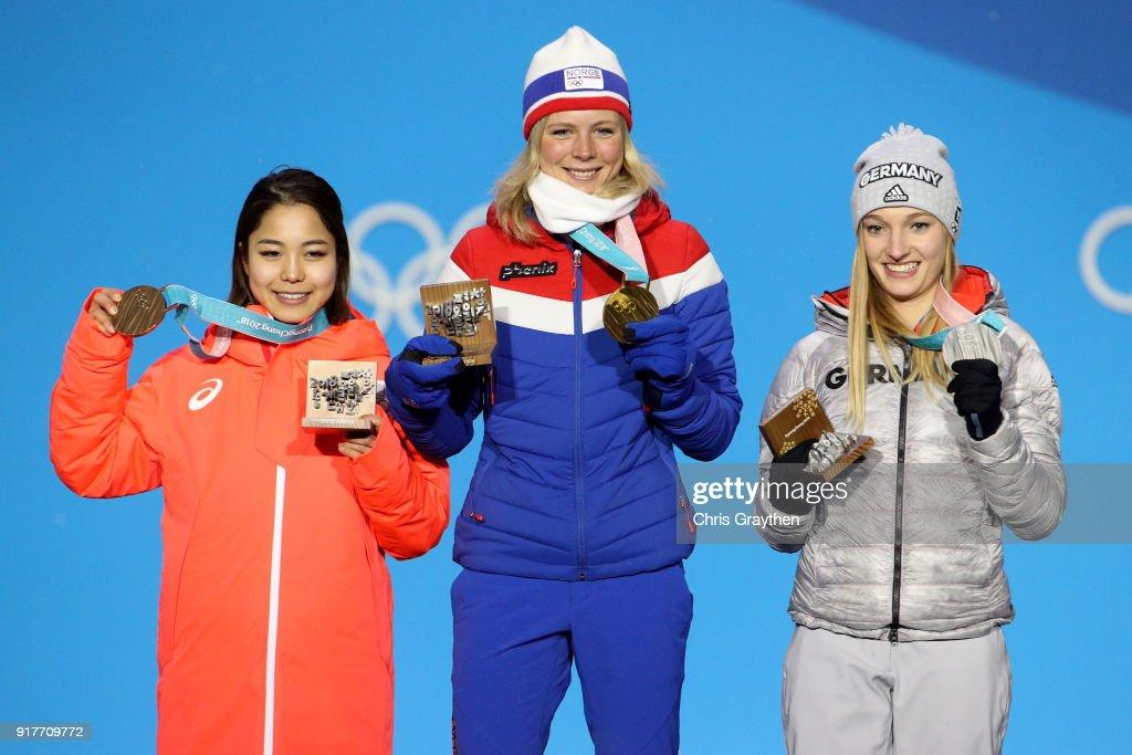 Medal Ceremony - Winter Olympics Day 4 : ニュース写真