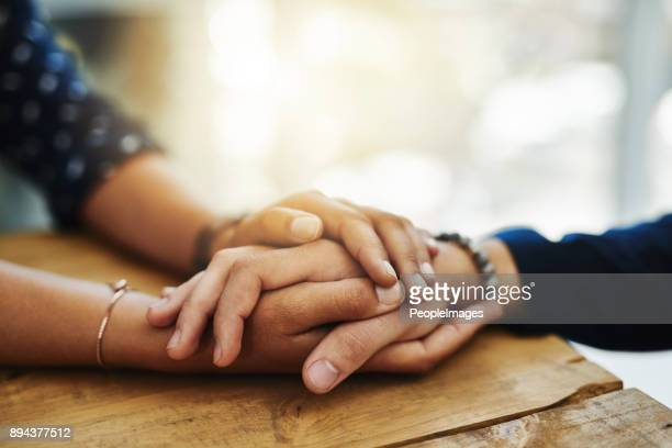 be of those who lend a hand where they can - amor imagens e fotografias de stock