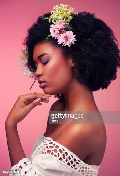 be true to who you are - ramo parte de uma planta imagens e fotografias de stock