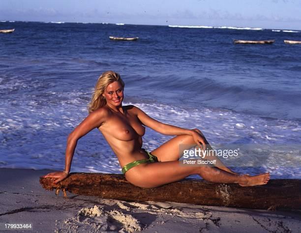 "Bea Fiedler, Kino-Film ""Das verrückte Strandhotel"", im TV-""Dirndljagd am Kilimandscharo""Mombasa in Kenia/Afrika, Strand,;Oben-Ohne, sexy, Meer,..."