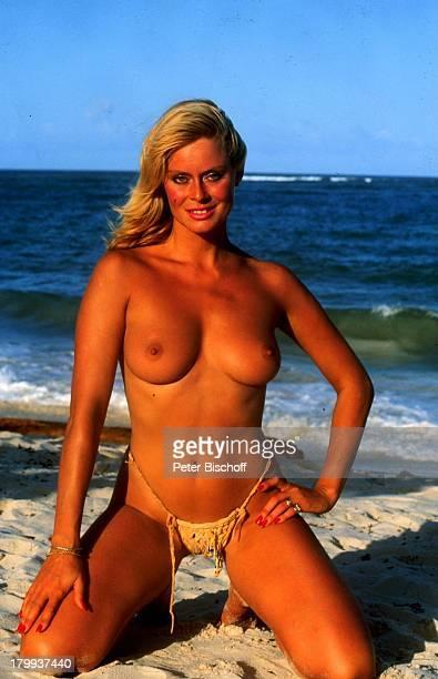 """Bea Fiedler, Kino-Film """"Das verrückte Strandhotel"""", im TV-""""Dirndljagd am Kilimandscharo"""" , Mombasa in Kenia, Strand, oben;ohne, sexy, Meer, Wasser,..."""