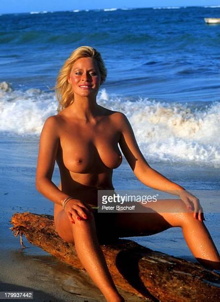 """Bea Fiedler, Kino-Film """"Das verrückte Strandhotel"""", im TV-""""Dirndljagd am Kilimandscharo"""" , Mombasa in Kenia, Strand,;sexy, oben ohne, Meer, Wasser,"""