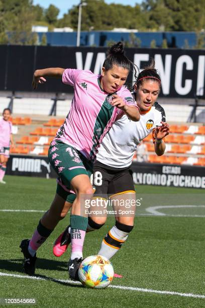 Bea Parra of Real Betis Balompie in action during the Spanish League Primera Iberdrola women football match played between Valencia CF Femenino and...