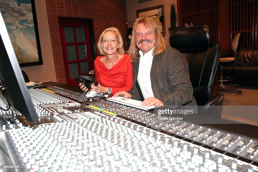 Leslie Mandoki And Bea Schmidt - Studio Meeting For
