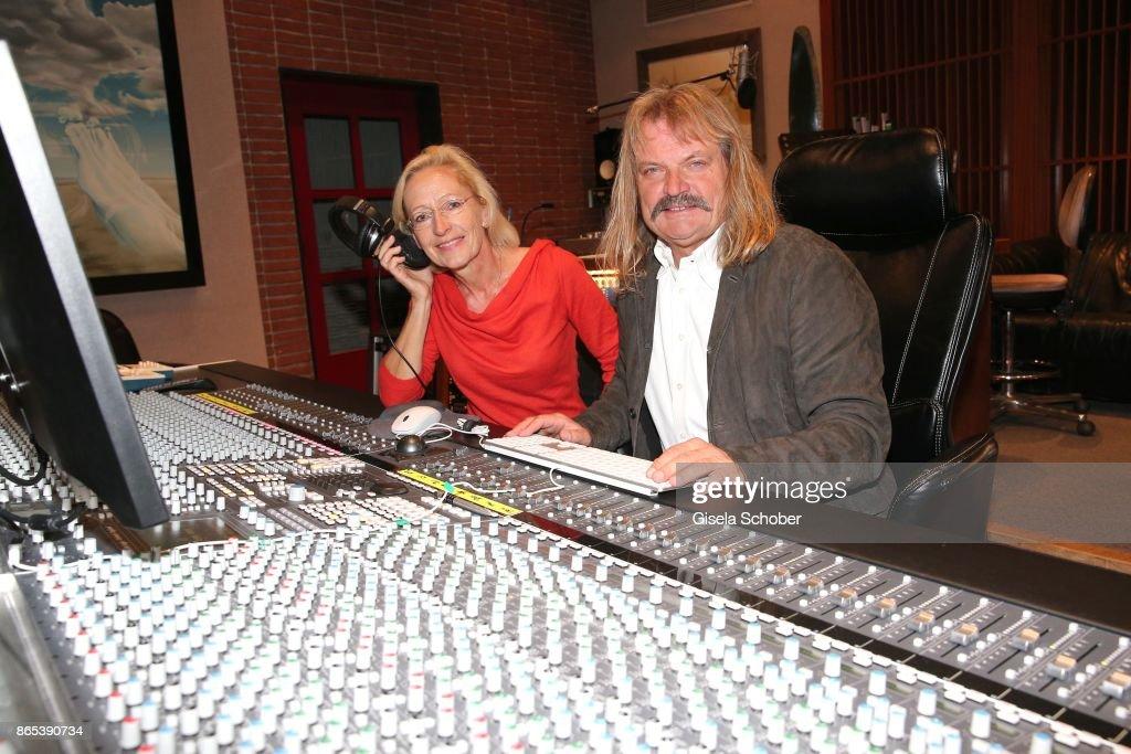 bea schmidt executive producer of sturm der liebe series and music producer leslie - Executive Producer Music