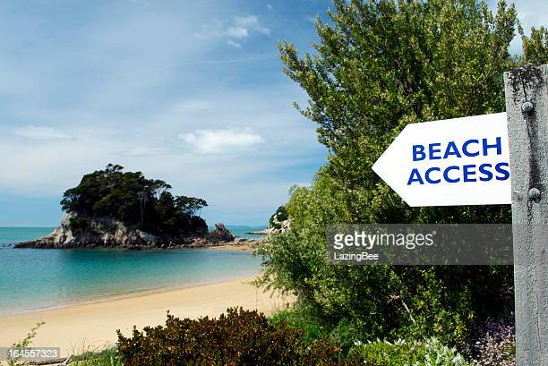 Der Zugang zum Strand am Kaiteriteri, Frühling