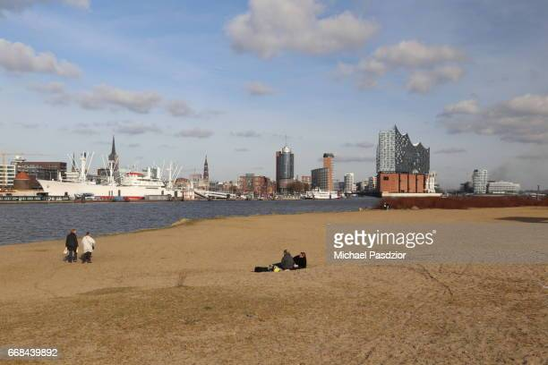 Beach and Elbphilharmonie