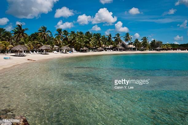 beach and lagoon - curaçao stockfoto's en -beelden