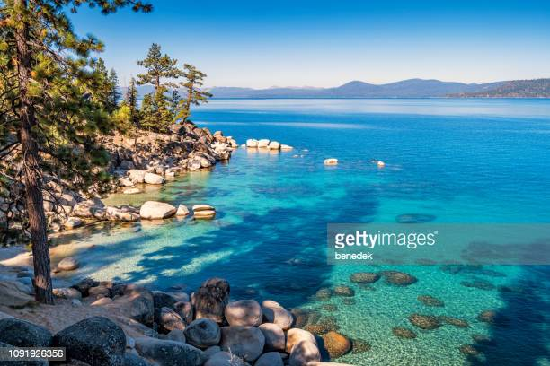 strand am lake tahoe sand harbor nevada, usa - nevada stock-fotos und bilder