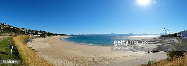 beach at mosselbay, south africa - mossel bay stock pictures, royalty-free photos & images