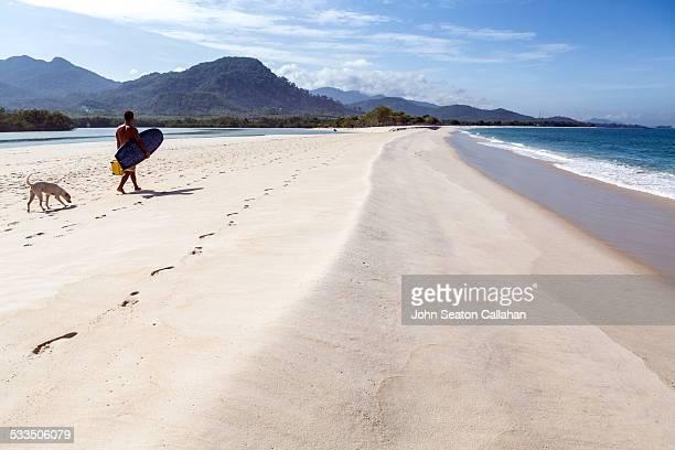 beach at river number 2 - sierra leone stock-fotos und bilder