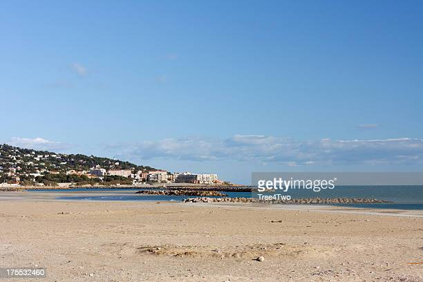 beach at the french town sete - herault stock pictures, royalty-free photos & images