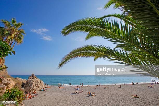 beach balcon de europa, nerja, andalusia, spain - コスタ・デル・ソル ストックフォトと画像