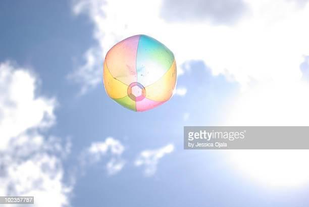 beach ball - ビーチボール ストックフォトと画像
