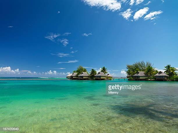 Les Bungalows sur la plage du lagon bleu