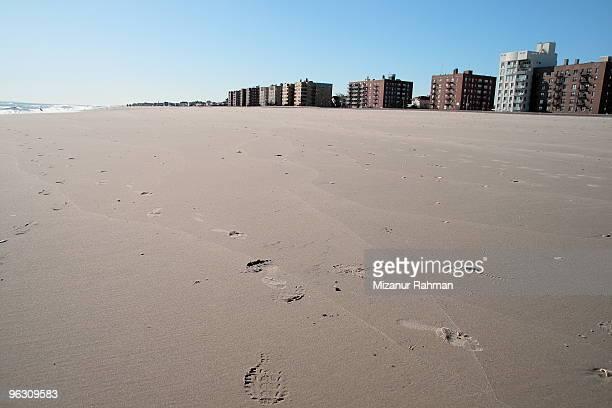 beach city and sand - mizanur rahman stock pictures, royalty-free photos & images