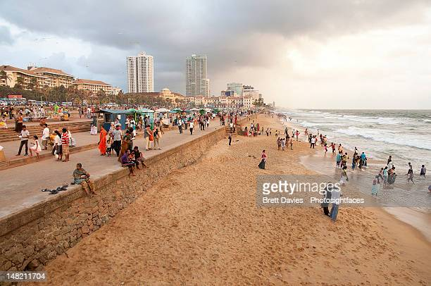 beach crowd - colombo stock pictures, royalty-free photos & images