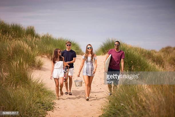 ビーチの日 - イングランド サウスポート ストックフォトと画像