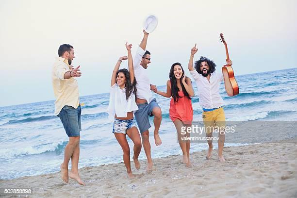 fiesta ご友人とご一緒にビーチ
