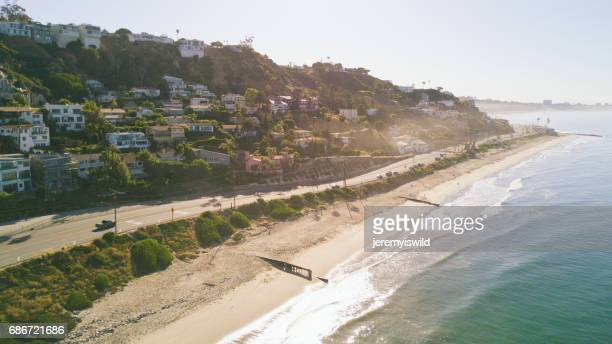 beach front homes in malibu, ca - malibu stock pictures, royalty-free photos & images