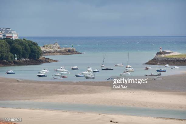 beach full small boats summer colors
